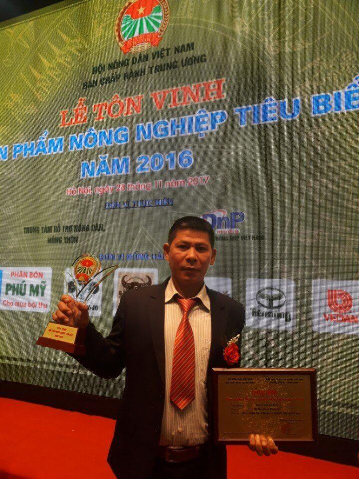 Ông Trần Văn Tường Chủ Tịch Hiệp Hội Bánh Đa Nem Làng Chều